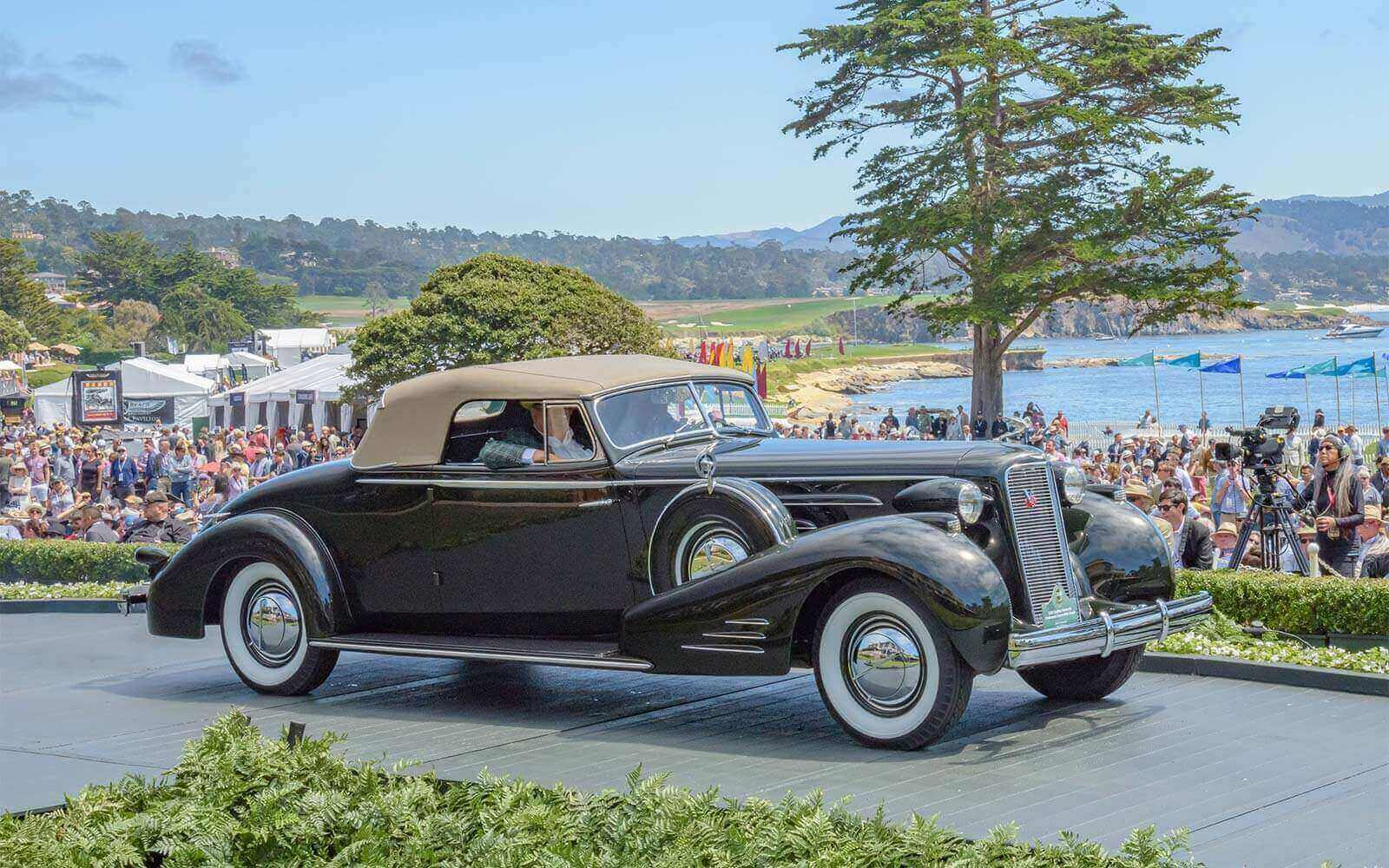 1936 Cadillac Series 90 Fleetwood Convertible Coupe