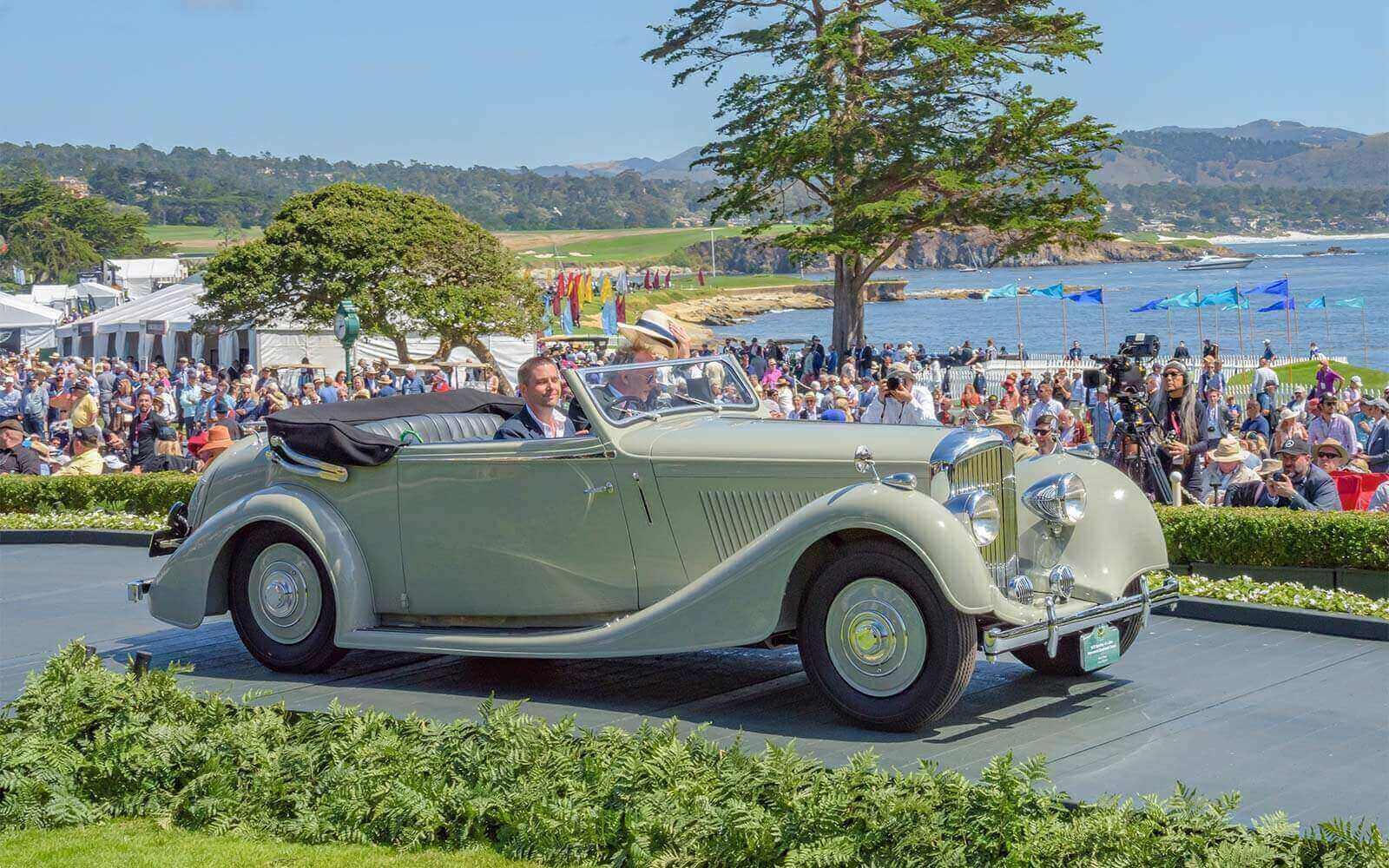 1939 Bentley 4¼ Litre Vanvooren Drophead Coupé