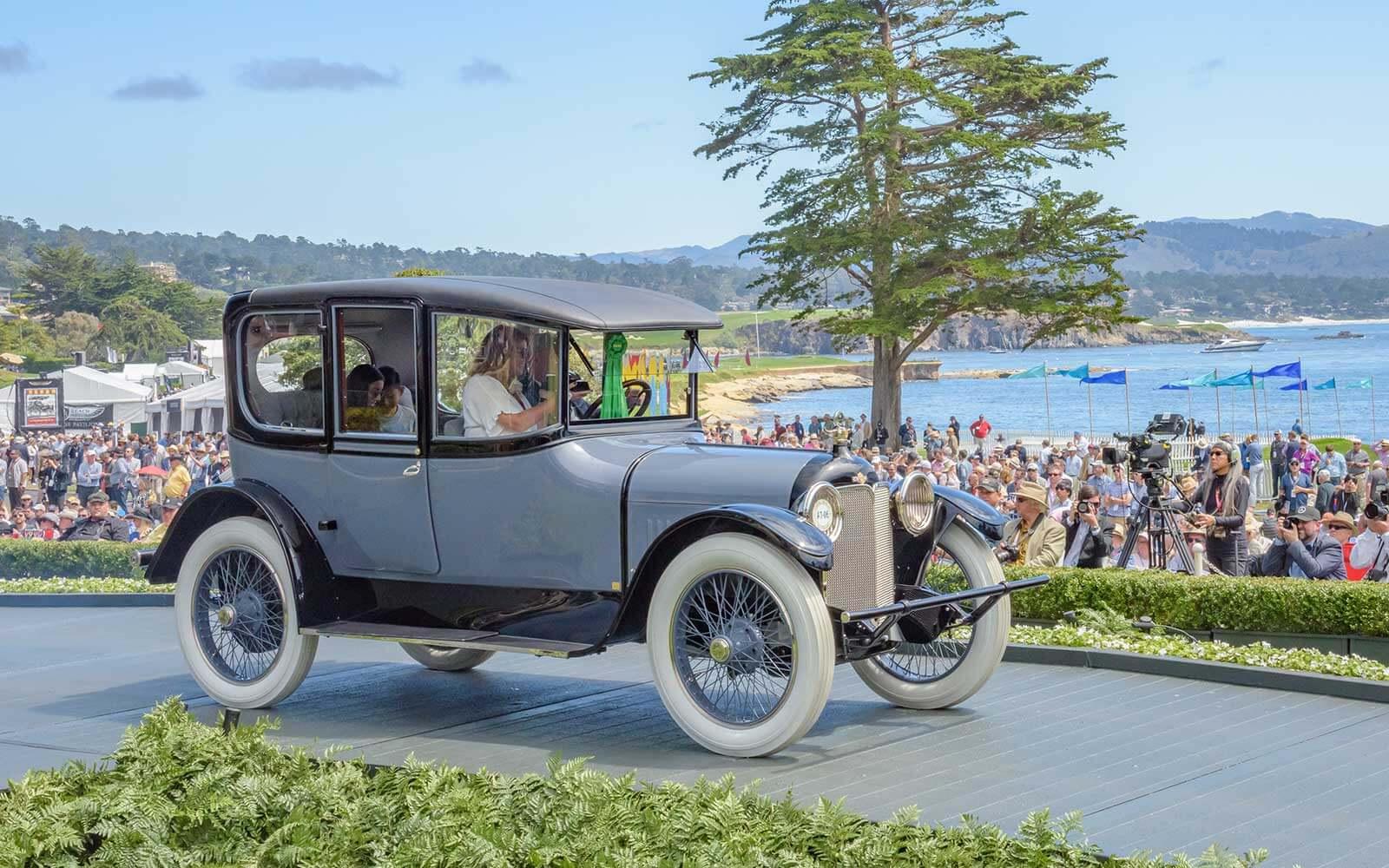 1914 Moline-Knight MK-50 Opera Sedan