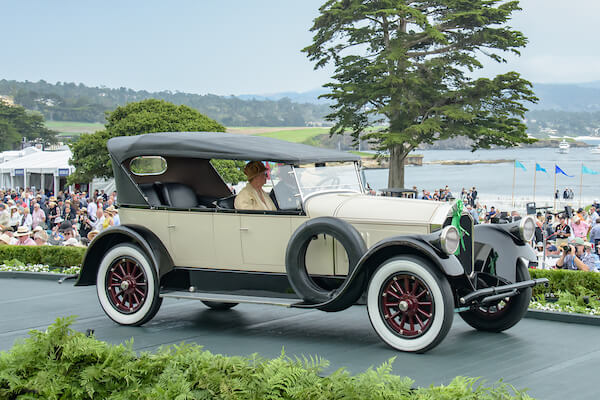 1924 Pierce-Arrow Model 33 4 Passenger Touring